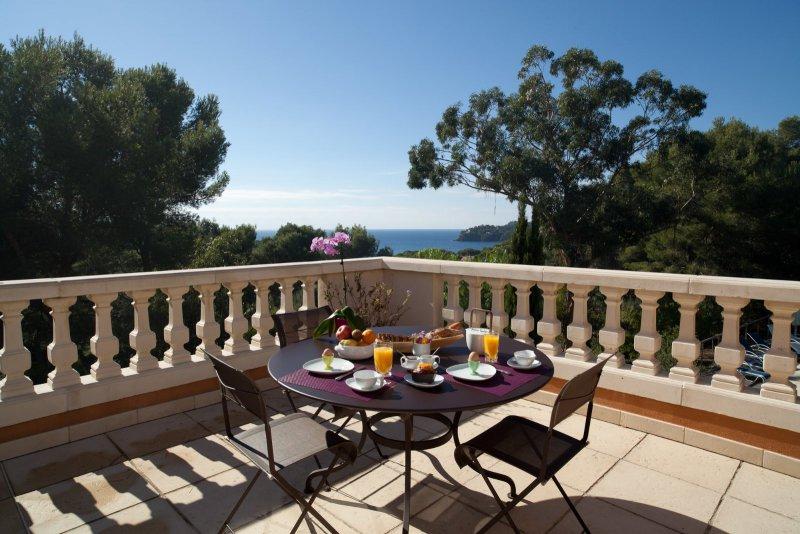 Vente hy res villa vue mer avec piscine localisation for Piscine 91700