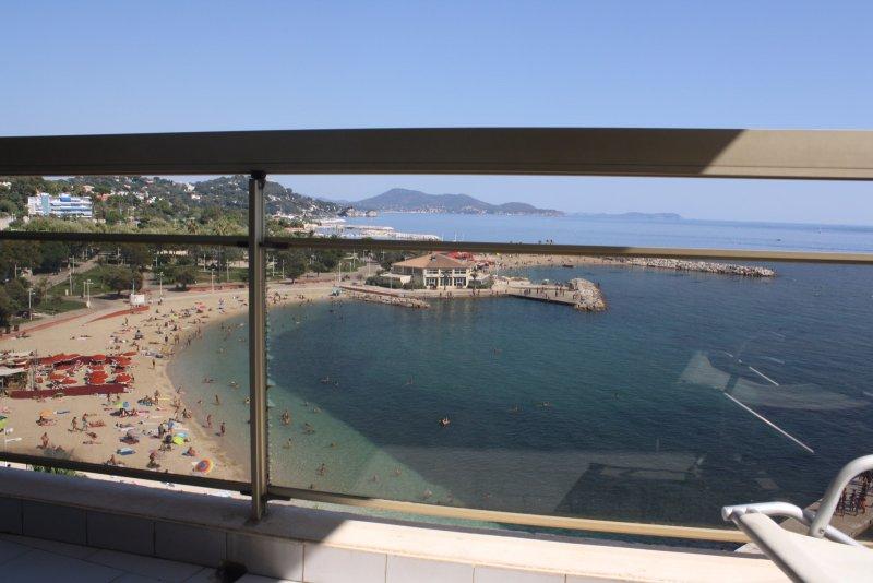 Offres locations vacances appartement toulon plage du - Location studio meuble toulon ...