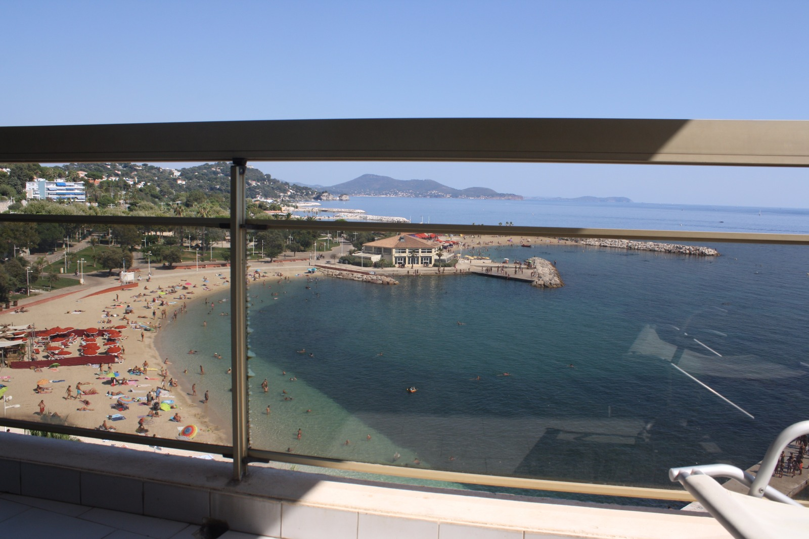 Offres locations vacances location vacances toulon for Location garage sollies pont